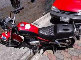 Suzuki gn 125 del 2015 en 1500 negociable moto buena todo accesorios originales y cosas adicionales en la moto poderosa