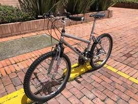 Bicicleta mountain bike HB