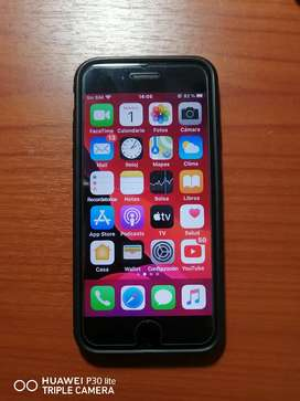 Vendo iPhone 7 de 32gb, con R-Sim