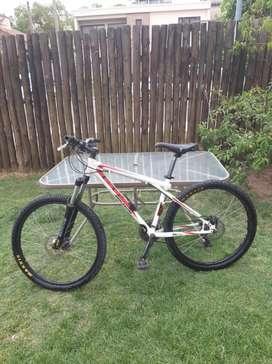 Bicicleta gt avalanche 3.0 r26 exelente estado