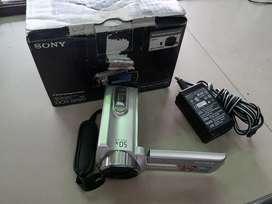 Filmadora Sony DCR-SR20 80GB HDD en caja.