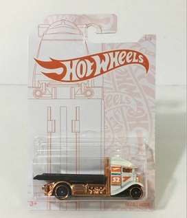 Hot Wheels 2020 Pearl And Chrome 3/6 - Fast Bed Hauler