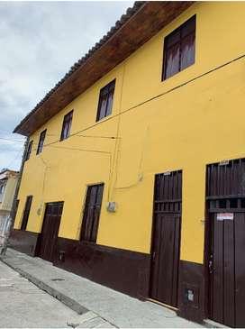 Arriendo Hermosas Habitaciones en el centro de Caicedonia en Casa Tipica