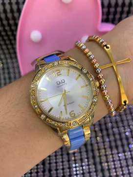 Reloj Q&Q dama hermoso