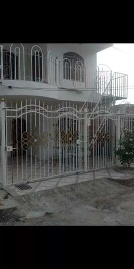 Casa en venta dos pisos dividida en dos casas barrio almendros cerca circunvalar olímpica y ara