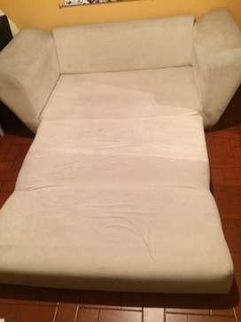 Sofá cama color blanco