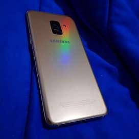 Galaxy A8 (2018) Doble Cámara delantera 4RAM Resistente al Agua