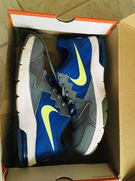 Zapatillas Nike Air Max Crusher 2 - Gris Y Azul ORIGINALES PRECIO NEGOCIABLE