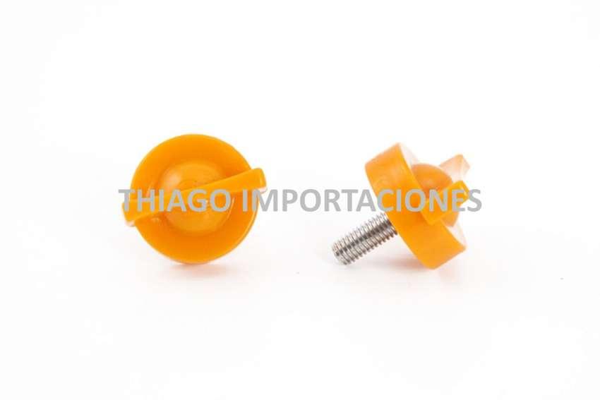 Repuestos Exprimidores Naranjas Tornillo de Presión 0