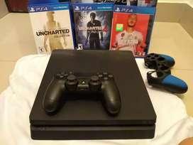Playstation 4 slim de 500 gb en perfectas condiciones, un mando en perfectas condiciones +un forro de mando y 3 juegos