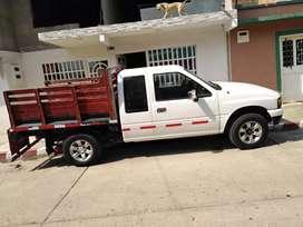 camioneta Chevrolet Luv  cabina y media 2300  modelo 95