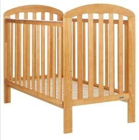 Vendo cama cuna para bebe en madera excelente estado