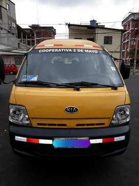 Vendo furgoneta amarilla Kia Grand Pregio
