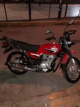 Se vende moto Yamaha YB 125