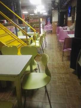 Se Necesita Cajera Colombiana Restaurant