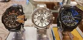 Reloj Diesel 10Bar/110 Feet Only The Brave, Resistente al agua, Cronómetro, Chronograph Botones y Manecillas Funcionales