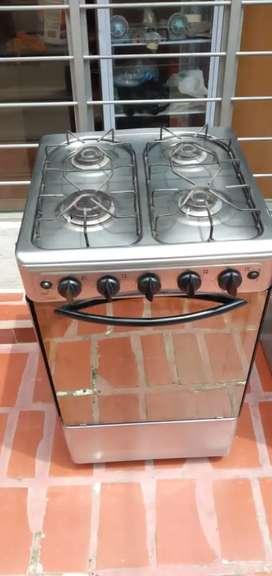 Estufa marca haceb con horno