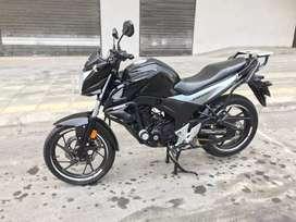 Vendo moto en exelente estado.