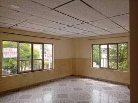 Alquiler de Apartaestudio tercer piso - Cerca a CC Unico5305