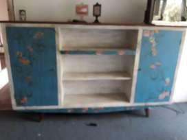 Modular, con estantes y puertas