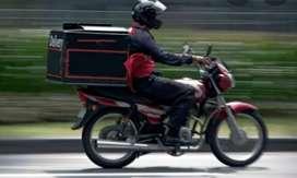 Ayudante de cocina con moto