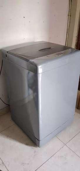 Se vende lavadora LG de 18 libras eata en buen estado