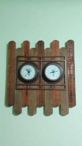 Reloj + Termómetro de pared con Madera Rústica