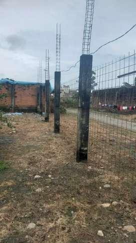 Venta de terreno con casa en construcción