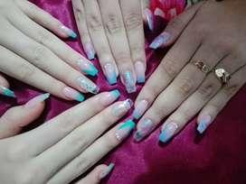 Acrilicas , manicure y pedicure