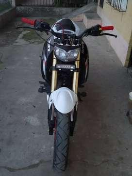 Se vende moto tundra nuevo 5 meses nada más
