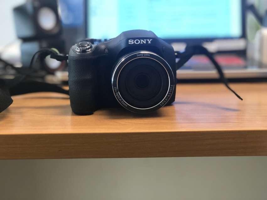 Cámara Sony h300 0