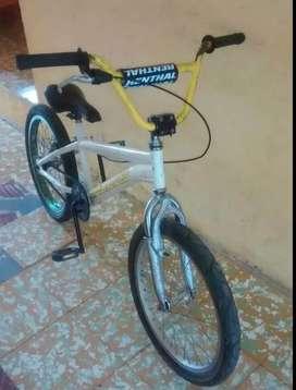 Se vende bicicleta Gw serpens