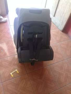 Se vende Silla para carro reclinable