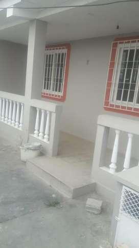 En Alquiler Casa Esquinera en Salinas - G. Sánchez