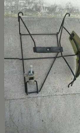 Vendo porta auxilio completo y cámara de escape de Renault kangoo