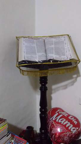 Vendo Atril de piso para Biblia