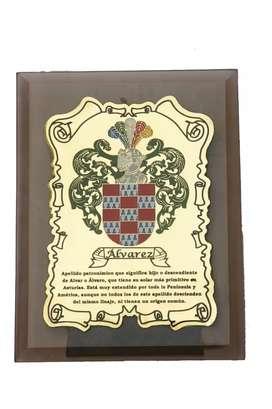 Escudos( la heraldica) en bronce del origen de los apellidos