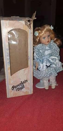 """Muñeca colección """"Porcelain Doll"""""""