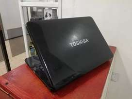 Portátil Toshiba core i5 buen estado
