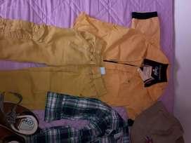Se vende lote de ropa para bebe de doce meses de marca
