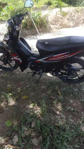 Vendo Moto Crycton 115