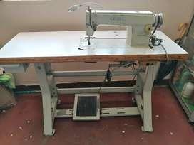 Vendo maquina de coser industrial