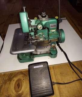 Vendo maquina de coser industrial a 3 hilos