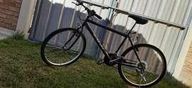 Bicicleta rodado 26/ 18 cambios. Unisex, muy buenas condiciones.