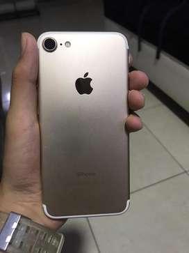 Se vende iphone 7 en buen estado
