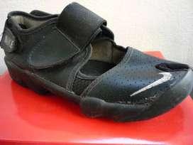 Zapatillas Nike rebaratas 35 36  Envios $120 -- Topventas
