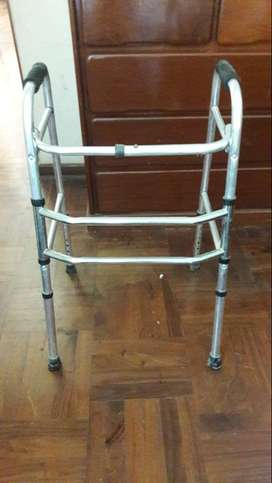 Andador sin ruedas altura regulable