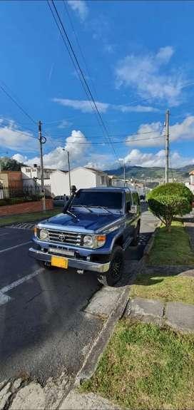 Toyota Land Cruiser 4.5 modelo 96, con accesorios, papeles al dia