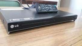 DVD LG PARA REPARAR LA BANDEJA DEL DISCO ,SE TRABA Y USB con control.