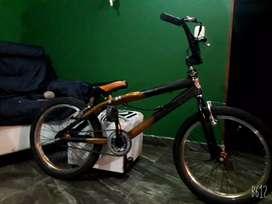 Bisicleta BMX GW
